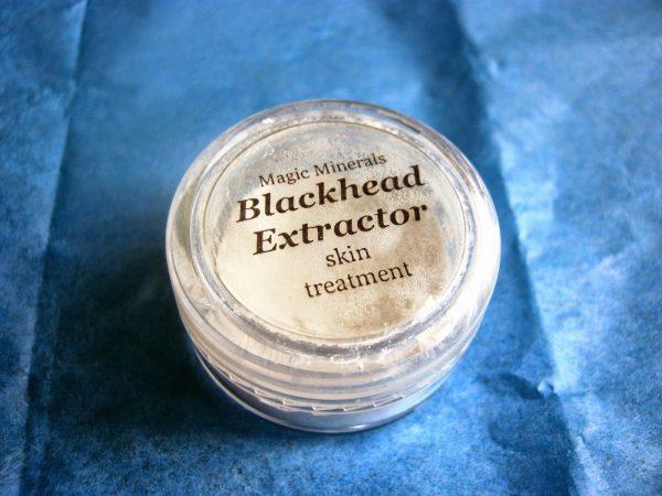 Пудра-экстрактор от чёрных точек Blackhead Extractor от Magic Minerals