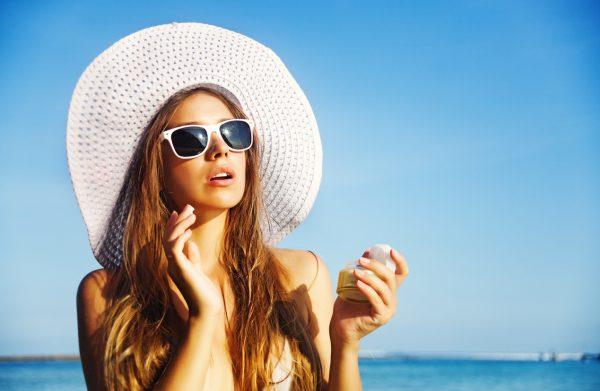 Девушка под солнцем