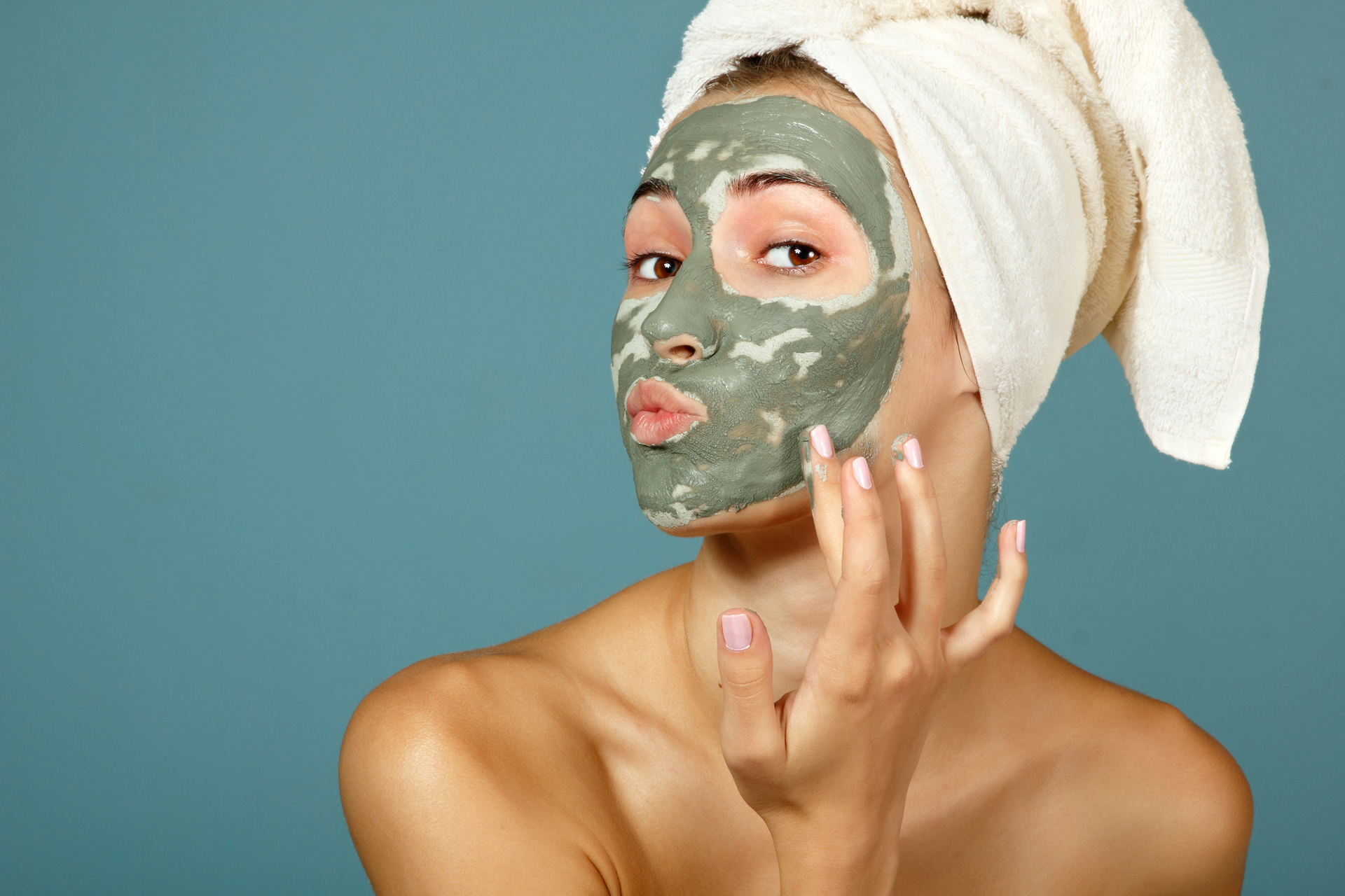 Косметическая маска на лице картинка