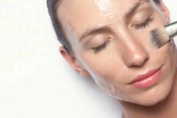 Нанесение кислотного пилинга на лицо