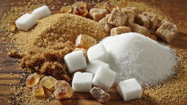 Обычный и тростниковый сахар