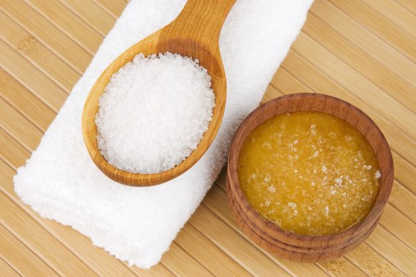 Компоненты медово-солевого скраба