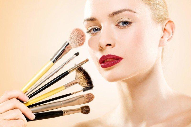 Как правильно мыть и сушить кисти для макияжа