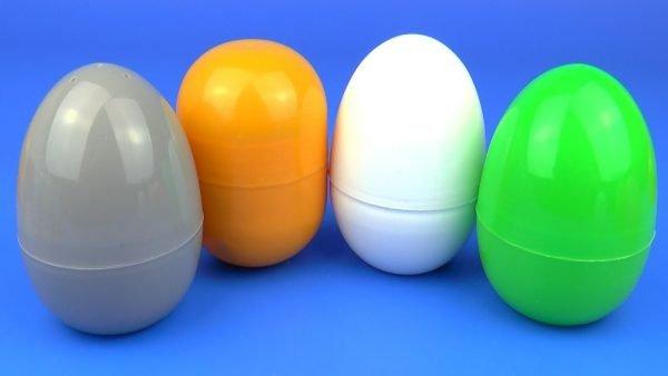 Пластиковые футляры от игрушек