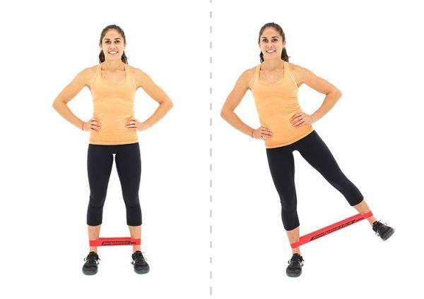 Отведение ног с эластичной лентой